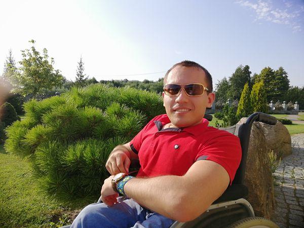 Интервью с Александром Стадником — ТОП дизайнером с ограниченными возможностями